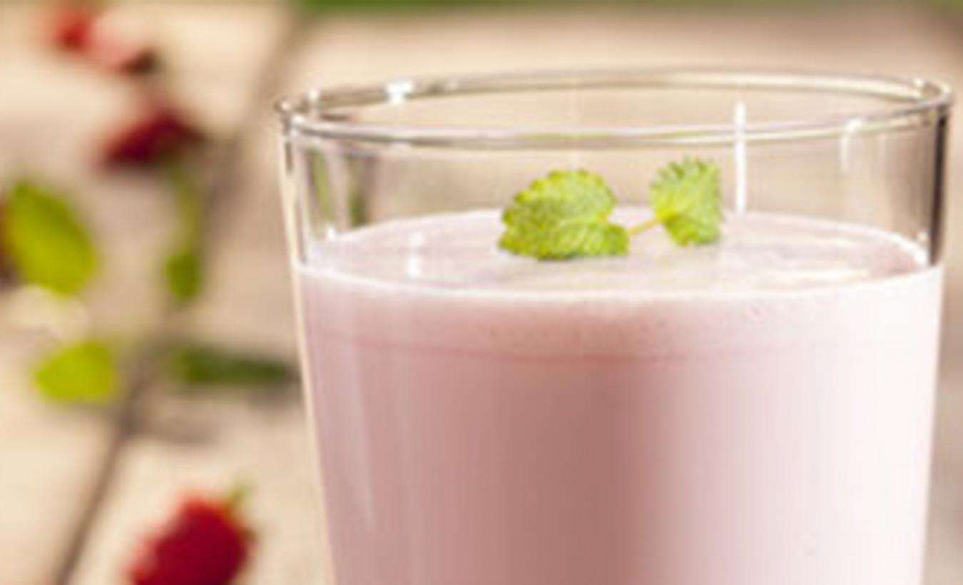Straweberry and soy shake_1440x770.jpg
